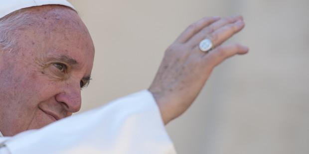 .Em bênção de Páscoa, Papa alerta sobre escravidões antigas e novas   .